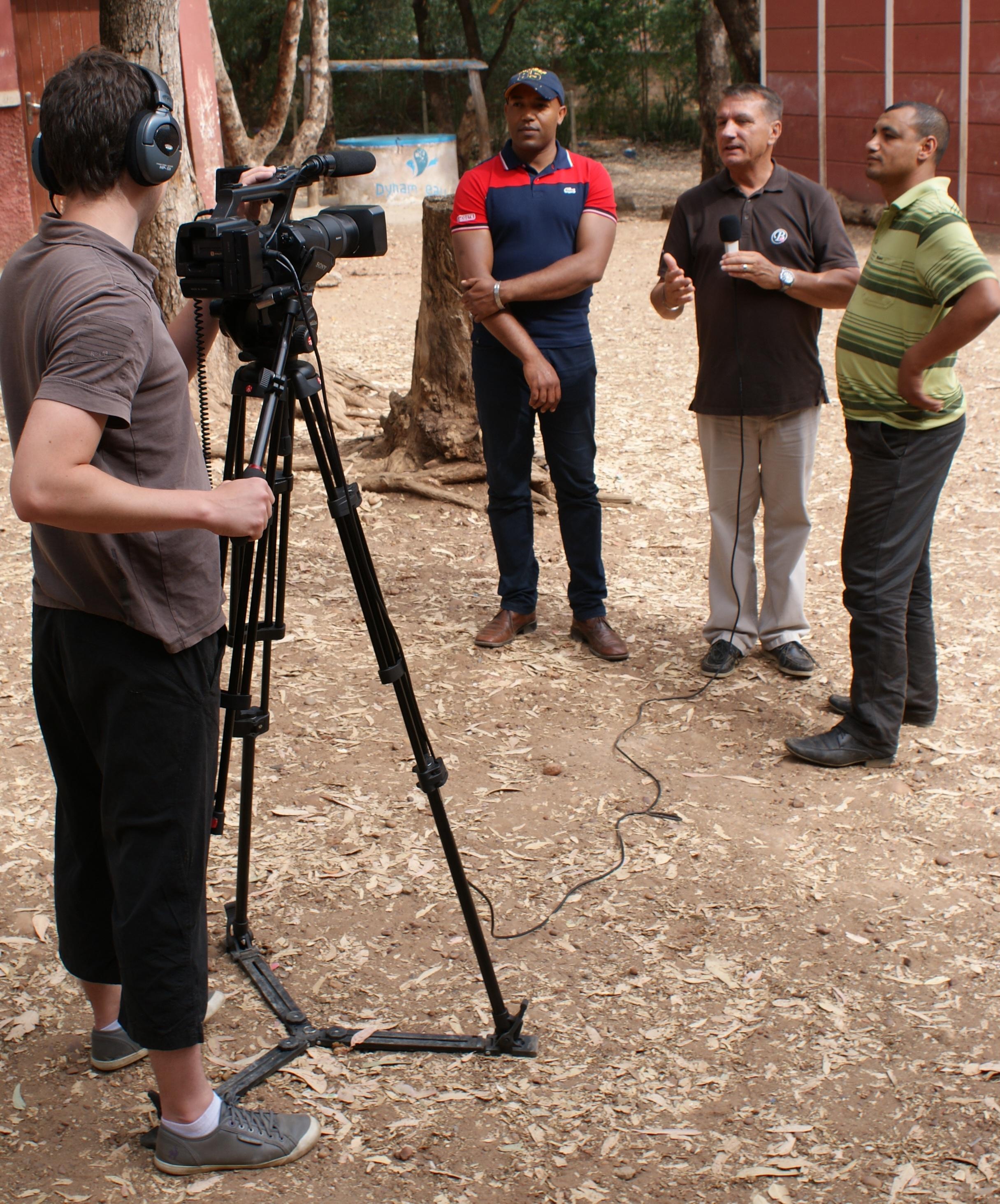 Dynam'eau Film Maroc 1 avec le représentant du maire de Sidi Boubker