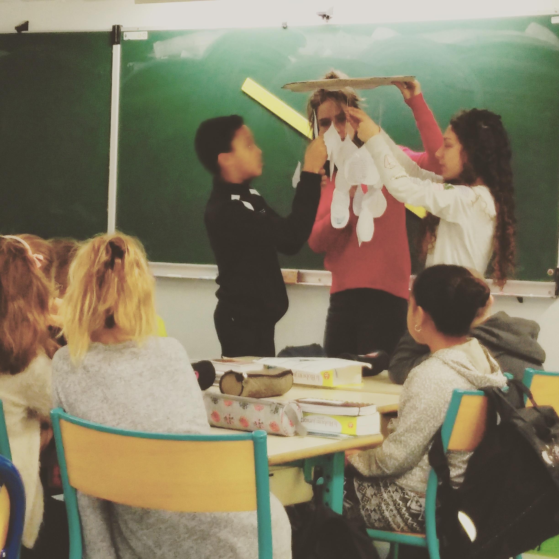 intervention école ECSI service civique présentation enfant primaire st andré de cubzac suzanne lacorre